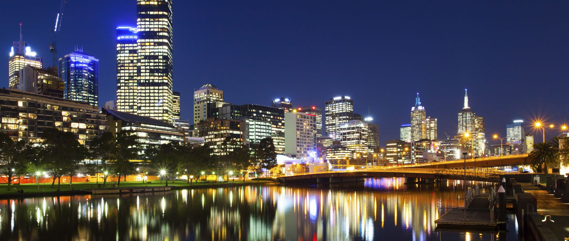 Melbourne at night_LR